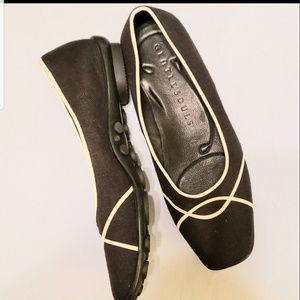 GENTLE SOULS BY KENNETH COLE BLACK COMFORT 8.5M